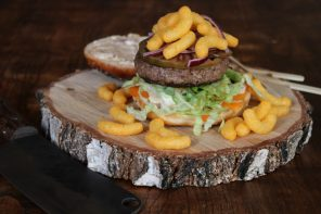 CHEETOS BURGER